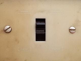 古い電気のスイッチです。の写真・画像素材[2468706]