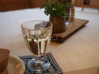 グラスの写真・画像素材[2487914]