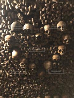 ドクロ ハート スカルの写真・画像素材[2423998]