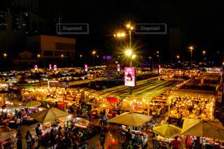 ネオンマーケット の夜景の写真・画像素材[2231634]