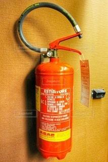 壁の消火器の写真・画像素材[2461911]