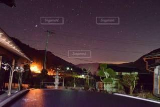 田舎の夜空の写真・画像素材[2438697]