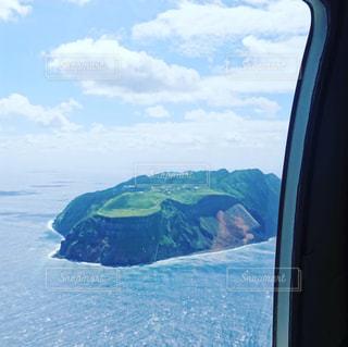 青ヶ島〜ヘリからの写真・画像素材[2443116]