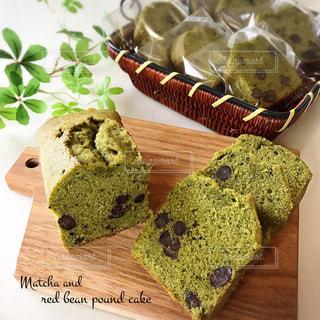 抹茶と甘納豆のパウンドケーキの写真・画像素材[2789767]