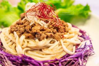 ジャージャー麺の写真・画像素材[2611041]