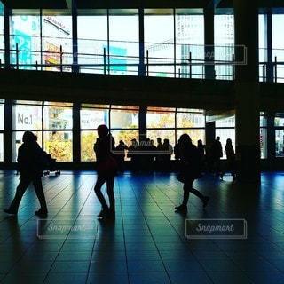 都会の雑踏の写真・画像素材[2441759]