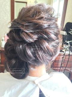 結婚式のヘアスタイル決めの写真・画像素材[2445102]