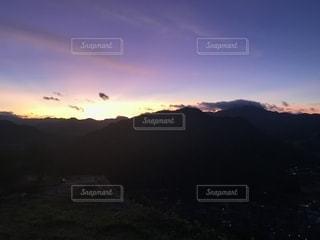 竹田城跡地から見る日の出の写真・画像素材[2445112]
