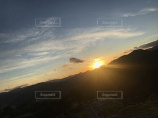 竹田城跡地から見る日の出の写真・画像素材[2445113]