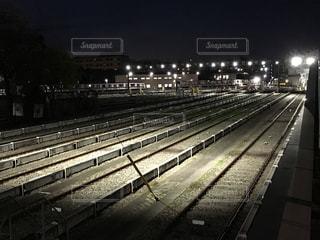 中野車両基地の夜の写真・画像素材[2453357]