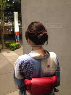浴衣の女性の後ろ姿の写真・画像素材[2471768]