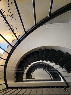 上から見た螺旋階段の写真・画像素材[2503147]