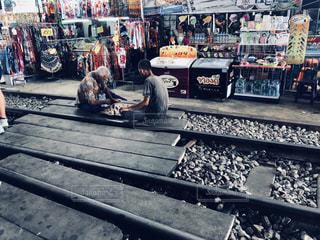 線路の上での写真・画像素材[2462985]