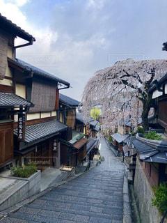京都 朝の誰もいない三年坂の写真・画像素材[2451844]