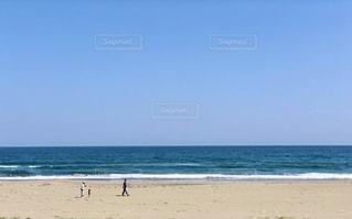 浜辺の散歩の写真・画像素材[2685067]