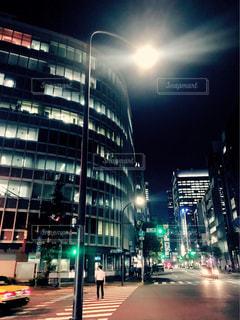 夜のオフィス街の写真・画像素材[2455376]