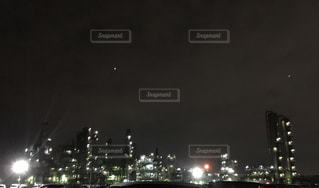 夜の街の眺めの写真・画像素材[2465263]