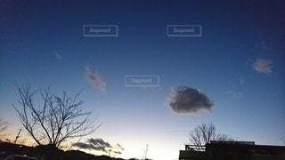 冬の夕焼けの写真・画像素材[2461762]