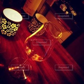 ウィスキーのショットグラスの写真・画像素材[2461757]