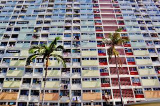 虹色アパートの写真・画像素材[2463681]