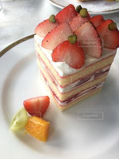 いちごのショートケーキの写真・画像素材[2464155]