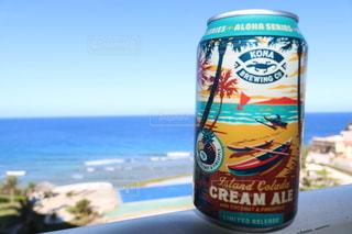 ビールと海の写真・画像素材[3224676]