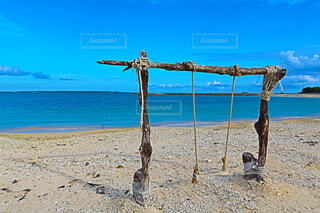 水域の隣の砂浜の写真・画像素材[3721806]