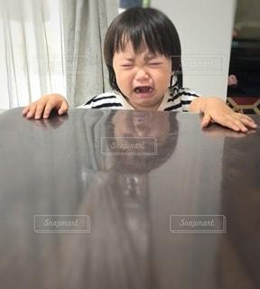 泣く少女の写真・画像素材[2625319]