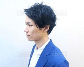 ヘアカタログ男性の横顔の写真・画像素材[2486034]
