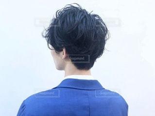 ヘアカタログ男性の後ろ姿の写真・画像素材[2486035]