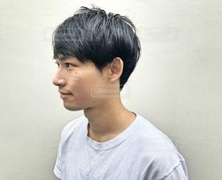 ショートカット 男性の横顔の写真・画像素材[2890087]