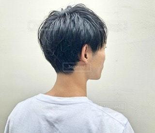 ショートカット 男性の後ろ姿の写真・画像素材[2890086]