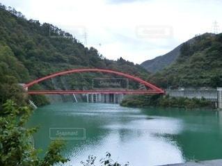 赤い橋の写真・画像素材[2905321]