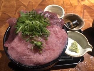 マグロ丼の写真・画像素材[2467927]