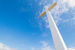 青空と十字架の写真・画像素材[2479244]
