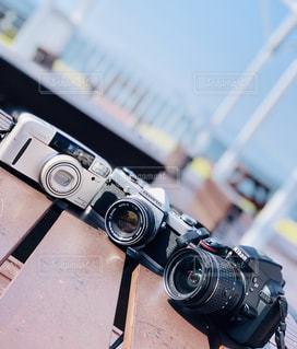 フィルムカメラと一眼レフの写真・画像素材[2696937]