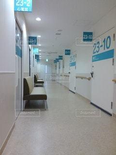 整然と並んだ診察室の写真・画像素材[2775963]