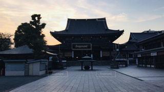 夕暮れの川崎大師の写真・画像素材[2560119]