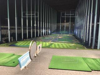 ゴルフ練習の写真・画像素材[2485824]