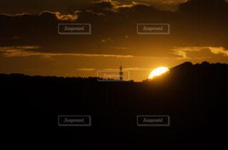 日没・沈む太陽の写真・画像素材[2503292]