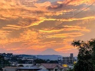 日没時の街の眺めの写真・画像素材[2508151]