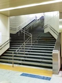 駅の階段の写真・画像素材[2577529]