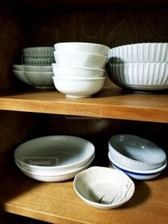 食器棚の食器の写真・画像素材[2604505]