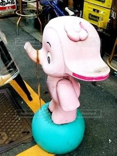 ピンクのゾウの写真・画像素材[2787111]