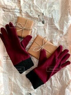 手袋とプレゼントの写真・画像素材[4056245]