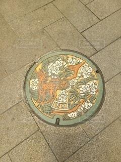 奈良で見つけたマンホールの写真・画像素材[4318183]