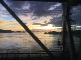 瀬戸内海の夕日の写真・画像素材[2480310]