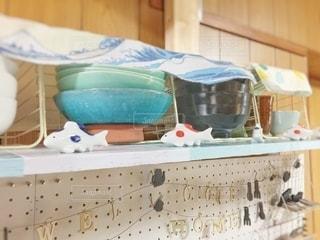 食器棚と皿の写真・画像素材[2510262]