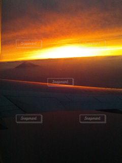 夕焼けの眺めの写真・画像素材[2492493]