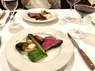 イタリアンレストランでディナーの写真・画像素材[2483776]